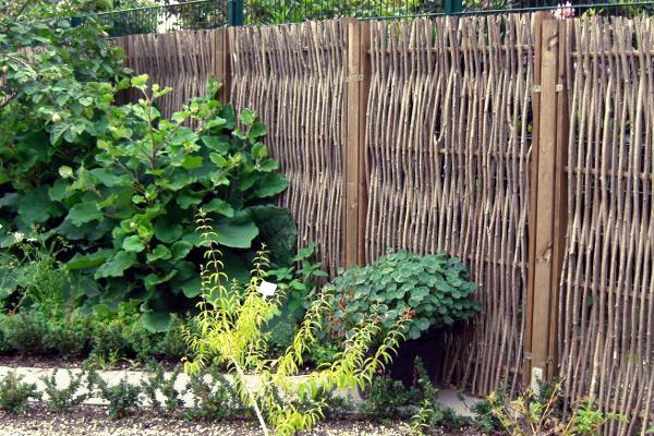 Gartenzaun aus Haselholz