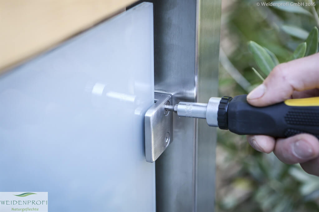 Montage: CAMBO Glasmodul Mit Glashalter An Edelstahlpfosten